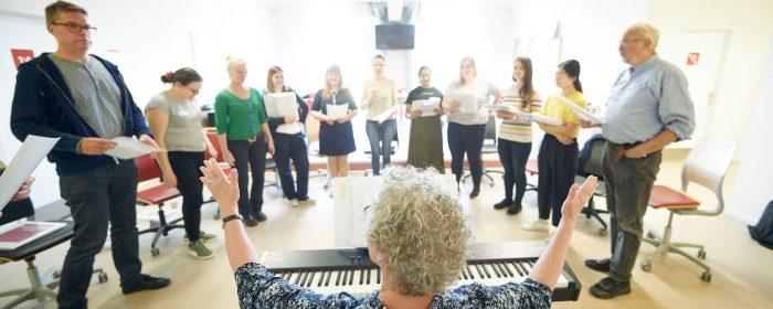 Ny udgivelse: Håndbog om fællesskab gennem sang